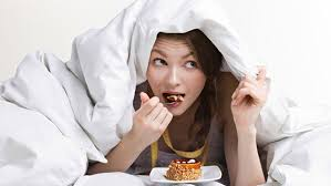 Eating before bed: Good or Bad?